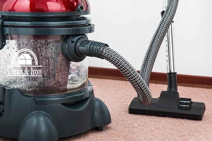Robot de limpieza versus aspirador tradicional
